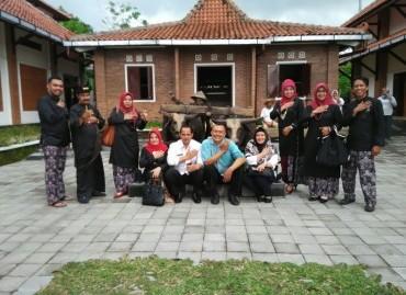 Kunjungan Wakil Walikota Solok ke Museum Tani Jawa Indonesia